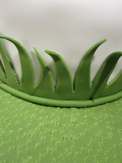 A close up of the fondant grass