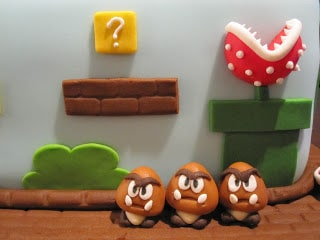 Close up of the goombas.