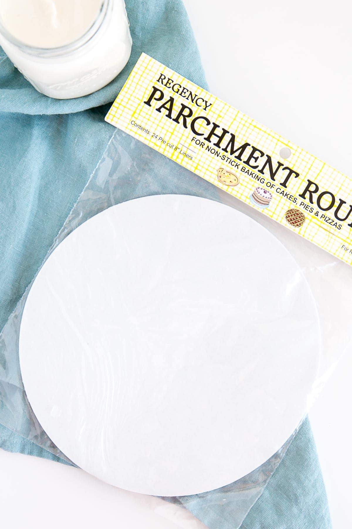 Pre-cut parchment pan liners