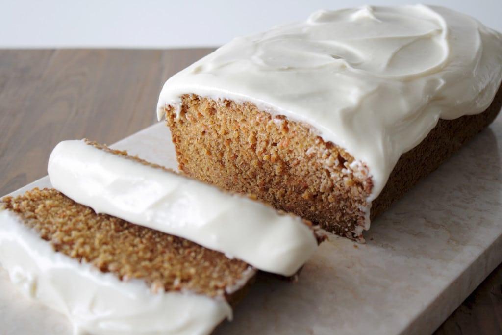 Carrot Tea Cake - https://livforcake.com/