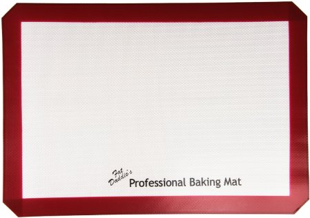 Must-Have Tools for Bakers - Fat Daddio's Silicone Baking Mat | livforcake.com