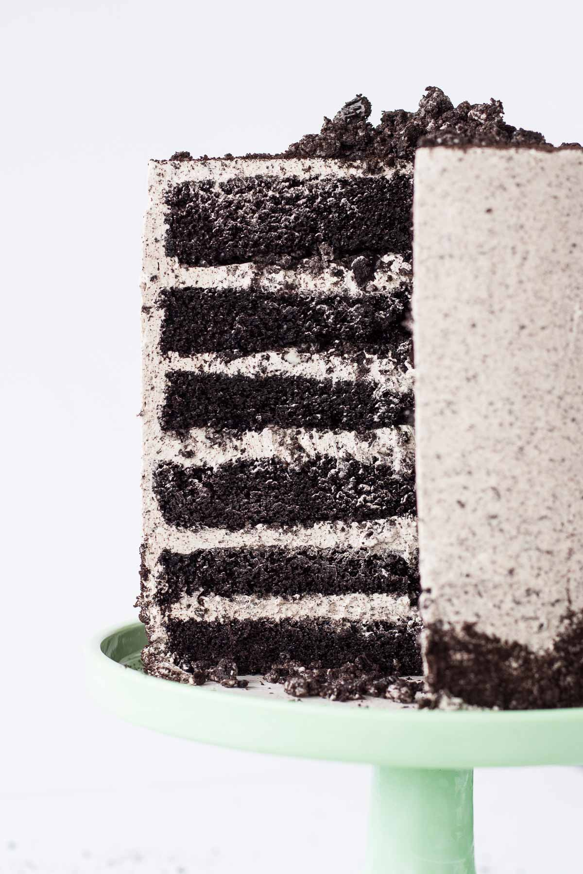 An Oreo lover's dream! Layers of Oreo cake, buttercream, and chopped up Oreos for some crunch. | livforcake.com
