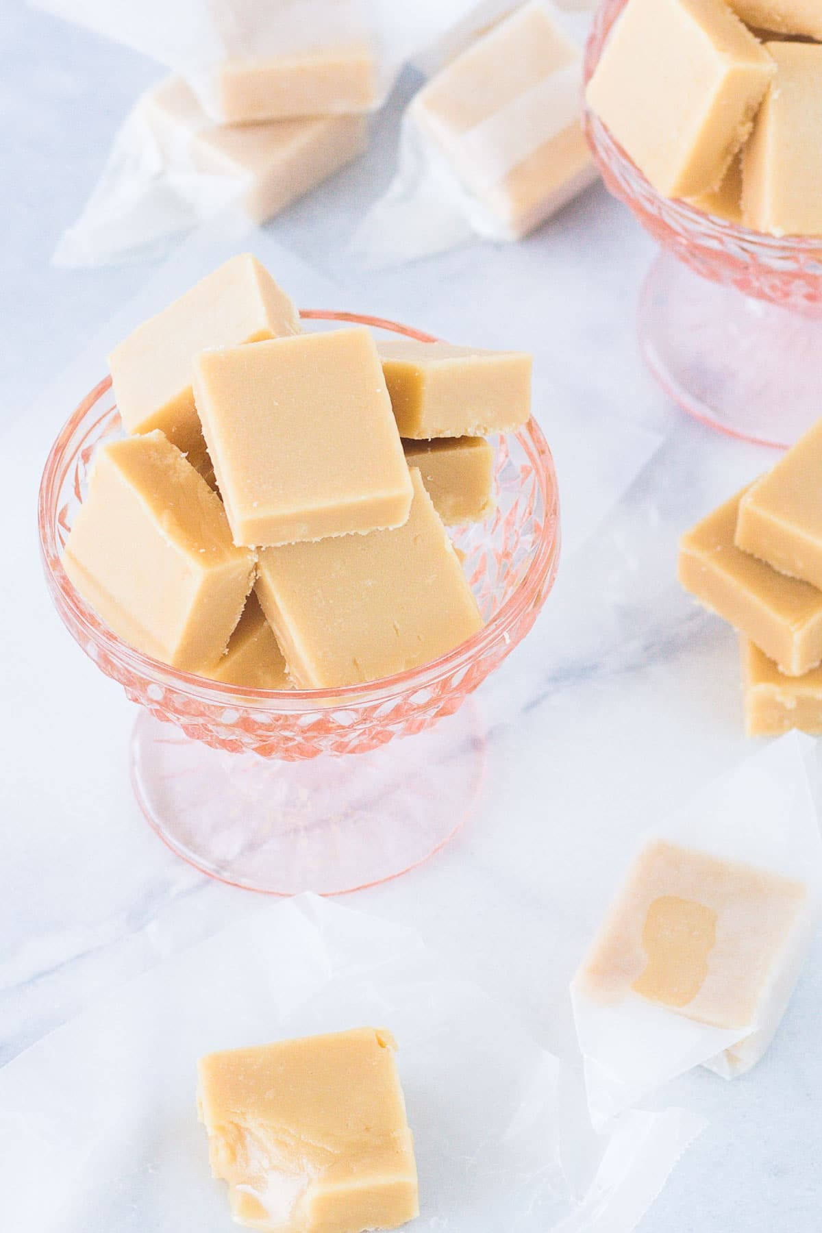 The very BEST cream fudge. Crisp on the outside with a soft and gooey center that just melts in your mouth. My version of traditional Polish Krówki. | livforcake.com