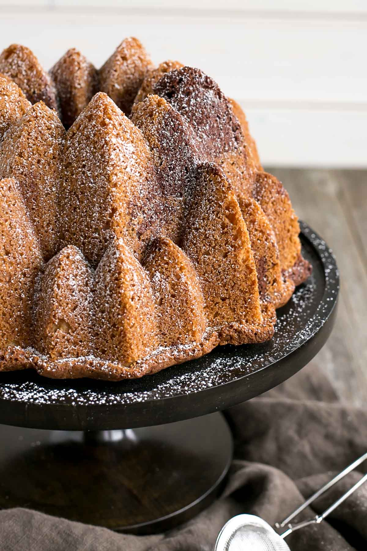 Close up of the detail on the Bundt