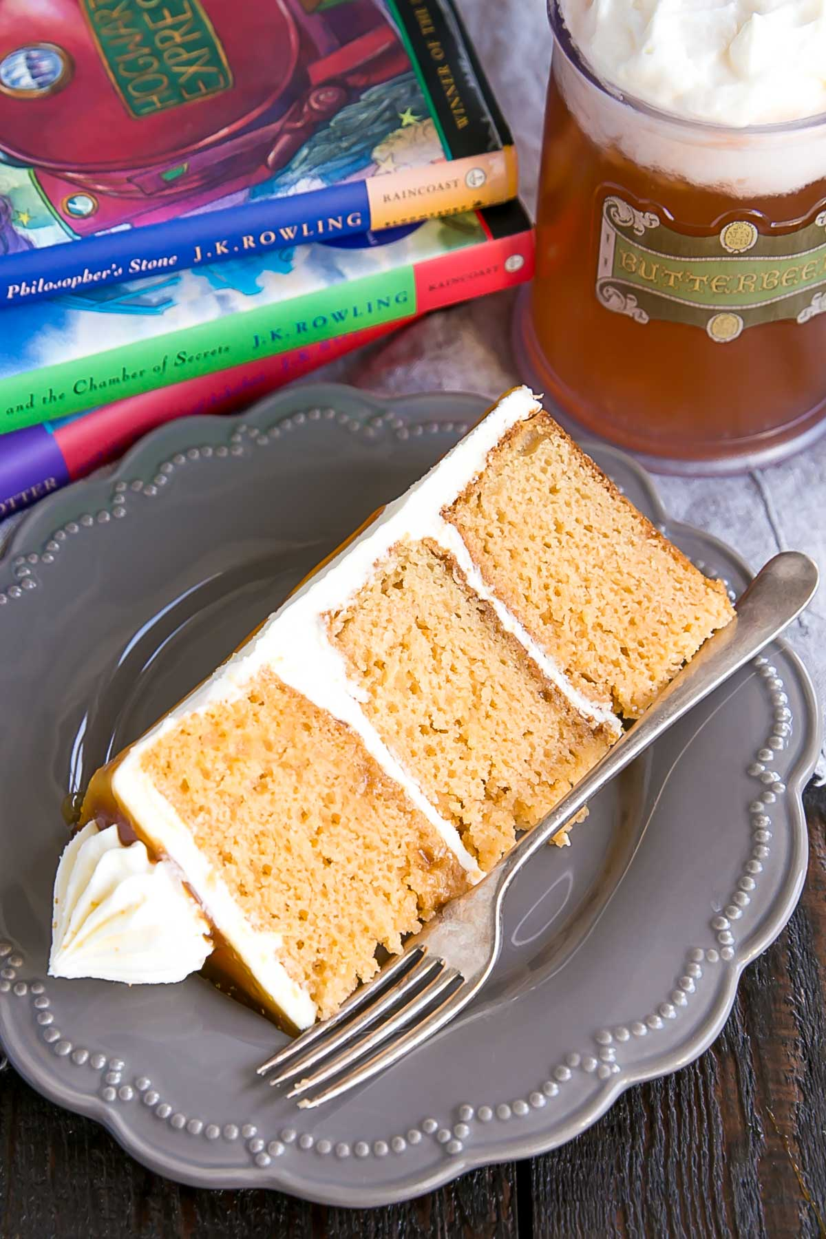 Harry Potter Cake. Butterbeer Cake slice.
