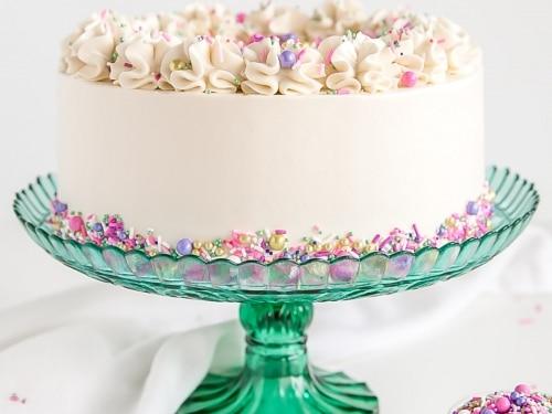 Astounding Classic White Cake Liv For Cake Personalised Birthday Cards Akebfashionlily Jamesorg